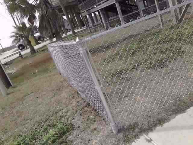 Chain Link Fences10